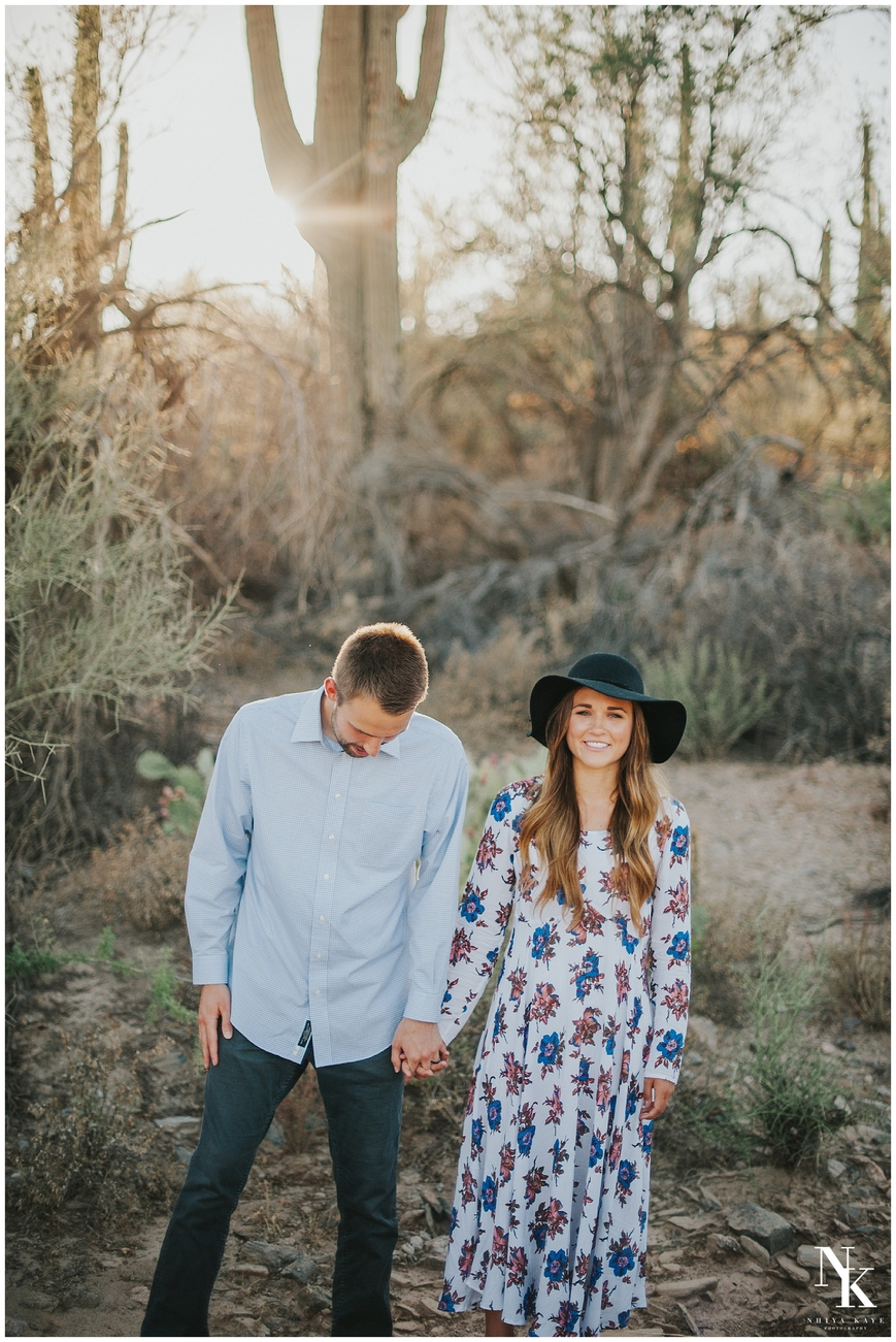 Arizona desert engagement superstition mountains, what to wear, Nhiya kaye photography, Wedding photographer